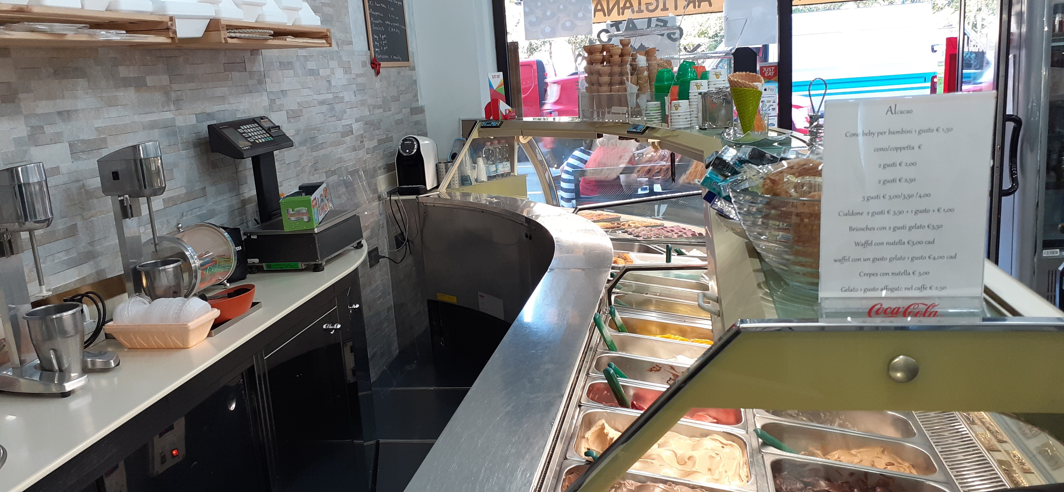 Gelateria bar Cologno M.se